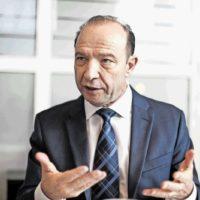 Признание коллег: Профессора Квинта наградили в Москве за разработку стратегии развития Санкт-Петербурга