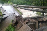 В Байкальске разрушен технологический мост через реку Солзан
