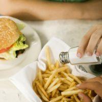 Как на самом деле влияет соль на здоровье