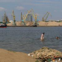 В Химкинском водохранилище в результате нефтеразлива в 1000 раз превышены нормы ПДК