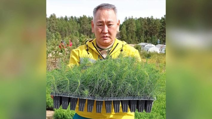 Глава Минэкологии Якутии Сахамин Афанасьев поздравил работников леса с их профессиональным праздником со страниц «ЭкоГрада»